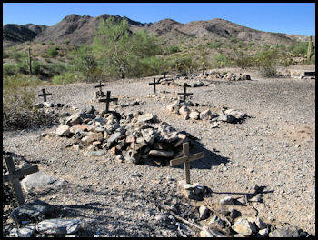 Harquahala Mine, Graves