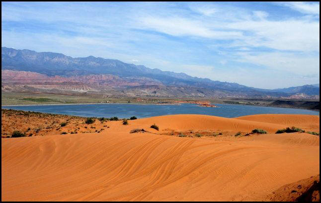 Sand Hollow, Sand Mountain
